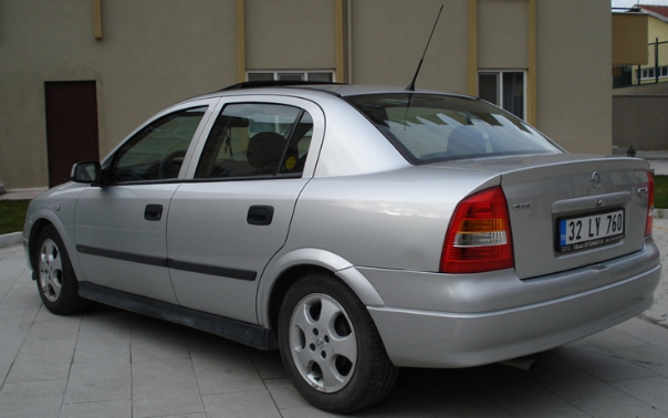 Opel Astra Edition 2000